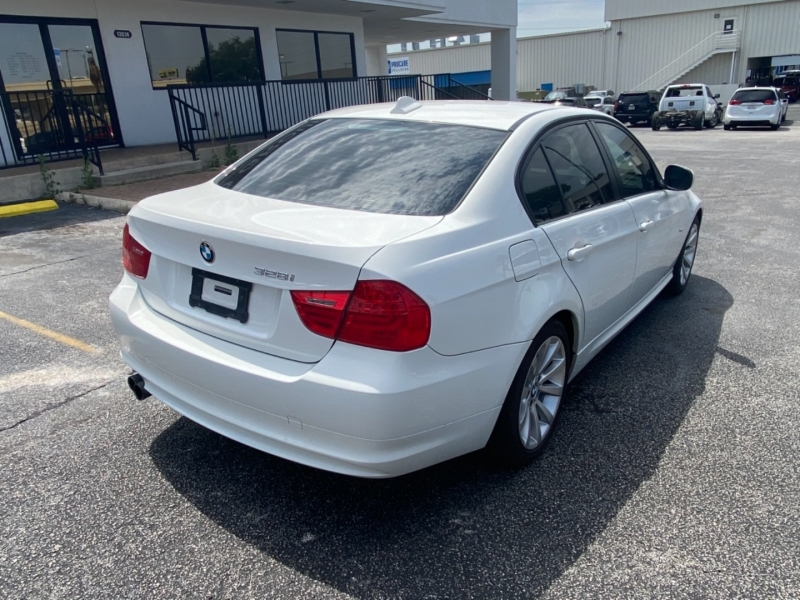 BMW 3-Series 2011 price $12,477