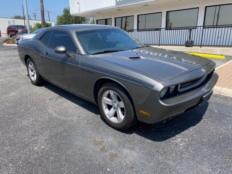 Dodge Challenger 2009 price $12,977
