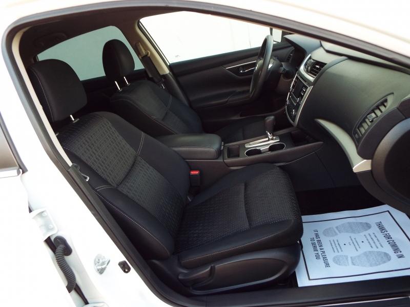 Nissan Altima 2017 price $1395* DOWN