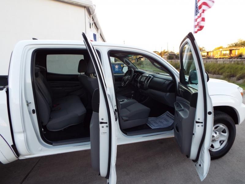 Toyota Tacoma 2015 price $2695* DOWN