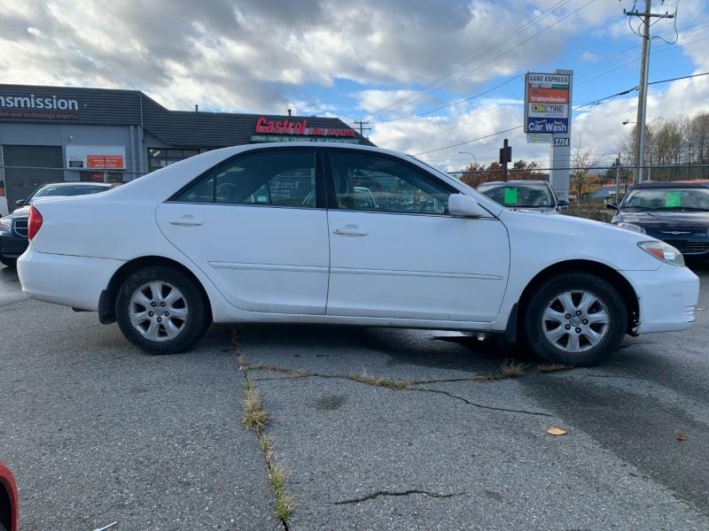 Toyota Camry 2004 price $1,700