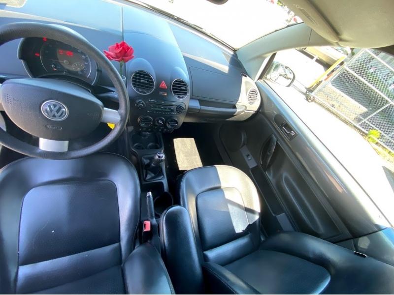 Volkswagen New Beetle Convertible 2006 price $5,000
