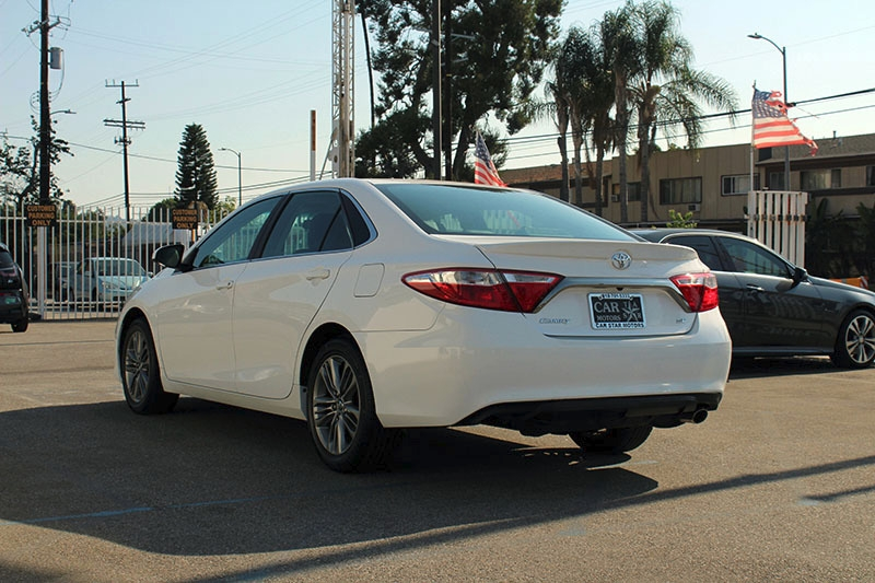 Toyota Camry 2016 price $17,998