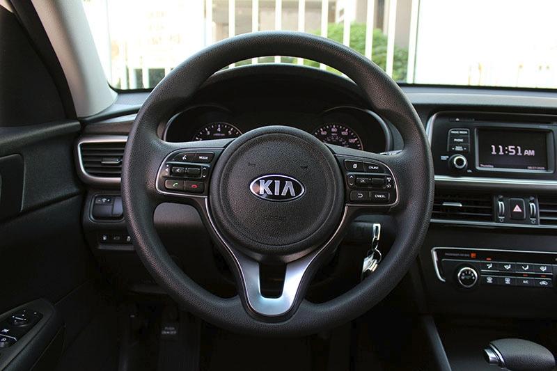 Kia Optima 2016 price $15,998