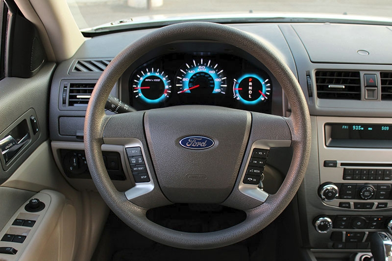 Ford Fusion 2012 price $10,998