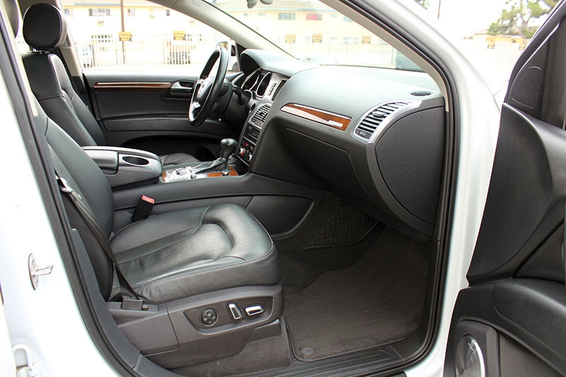 Audi Q7 2013 price $23,998
