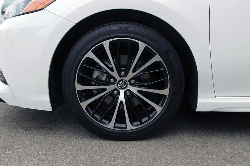 Toyota Camry 2019 price $21,998