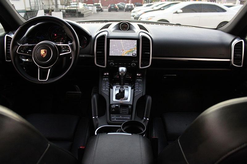Porsche Cayenne 2017 price $46,998