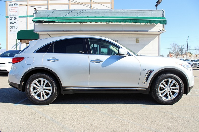 Infiniti QX70 2015 price coming soon