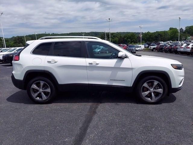 Jeep Cherokee 2019 price $28,600