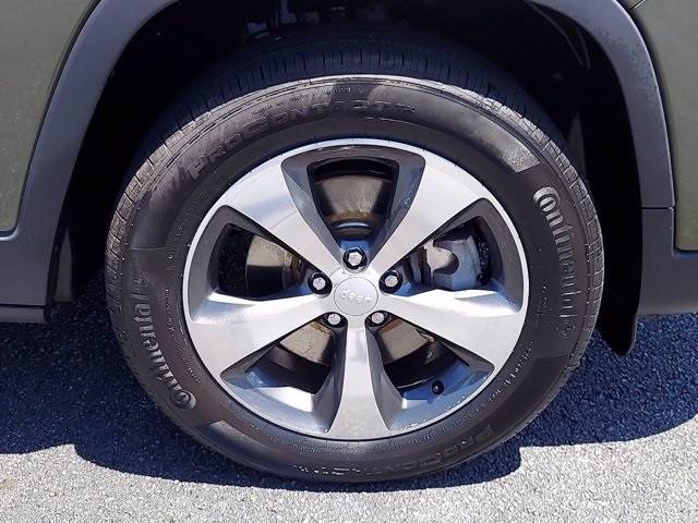 Jeep Cherokee 2019 price $31,200