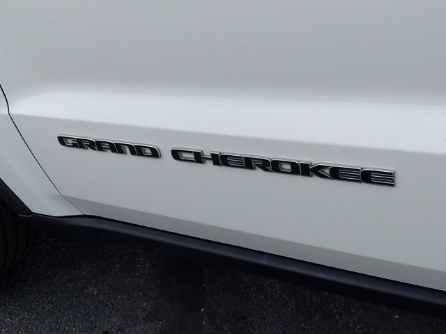 Jeep Grand Cherokee 2018 price $36,900