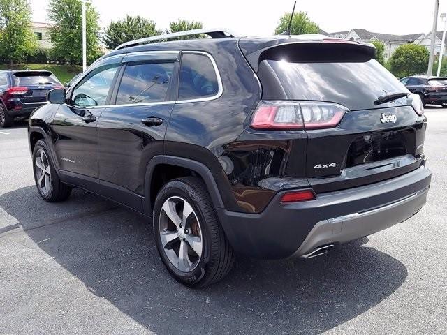 Jeep Cherokee 2019 price $28,200