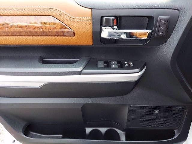 Toyota Tundra 2016 price $49,100