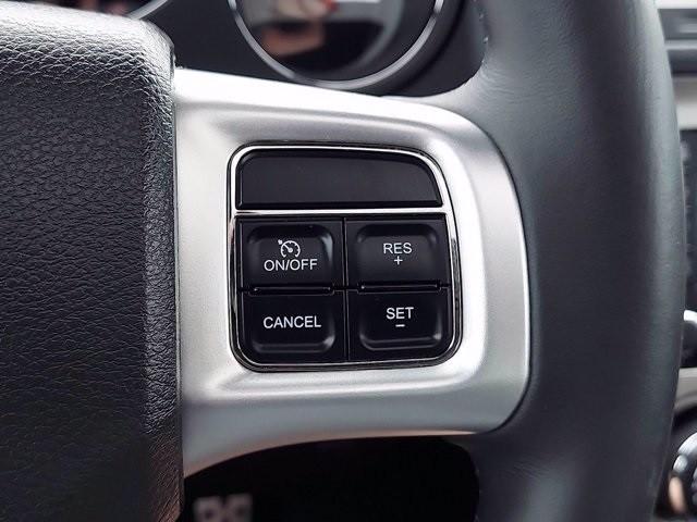 Dodge Challenger 2011 price $38,600