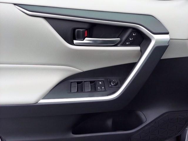 Toyota RAV4 2019 price $36,200