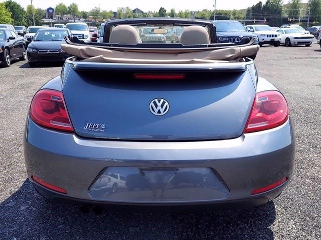 Volkswagen Beetle 2013 price $19,900
