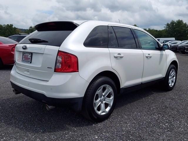 Ford Edge 2013 price $15,700