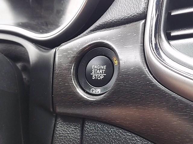 Jeep Grand Cherokee 2018 price $37,000