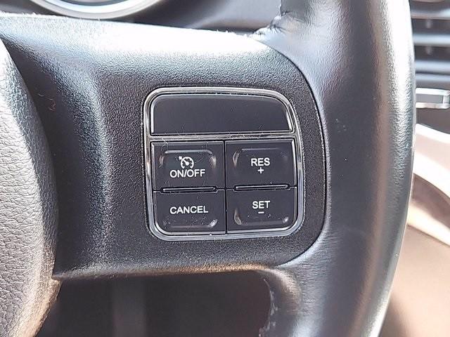 Jeep Grand Cherokee 2011 price $16,500
