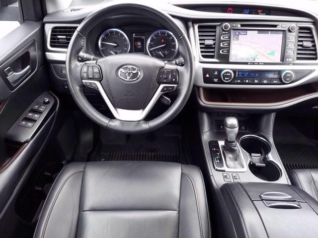 Toyota Highlander 2019 price $39,900