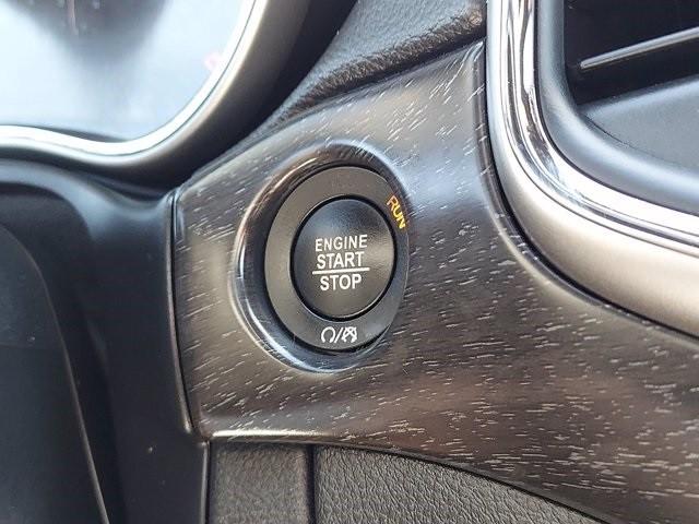 Jeep Grand Cherokee 2018 price $31,000