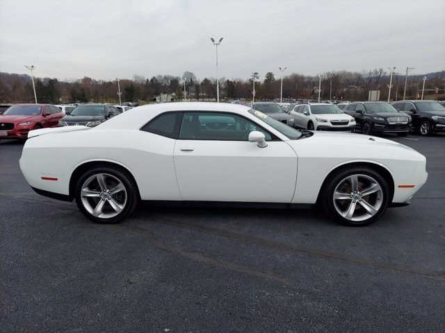 Dodge Challenger 2017 price $30,500