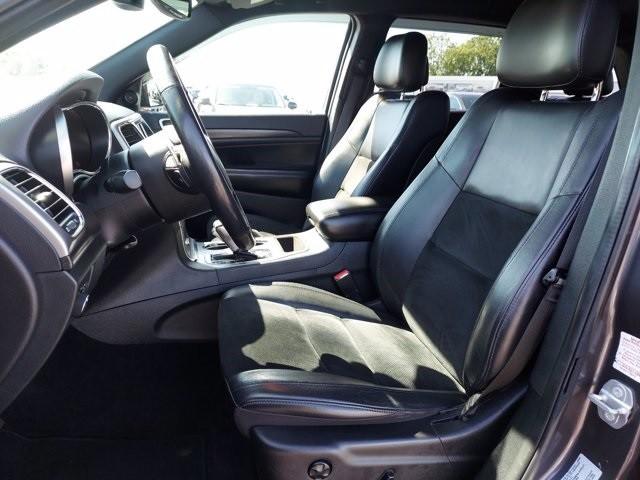 Jeep Grand Cherokee 2017 price $32,000