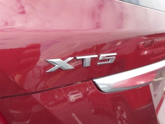 Cadillac XT5 2018 price $35,500