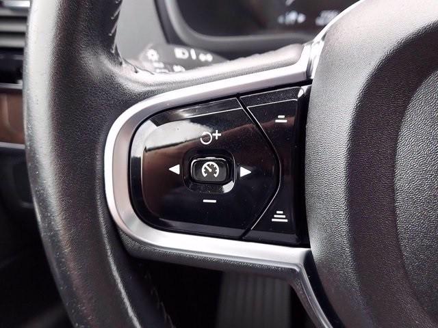 Volvo XC90 2016 price $32,000