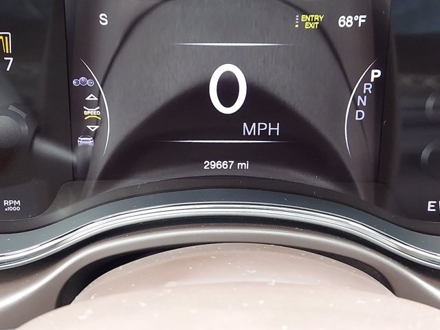 Jeep Grand Cherokee 2019 price $41,900