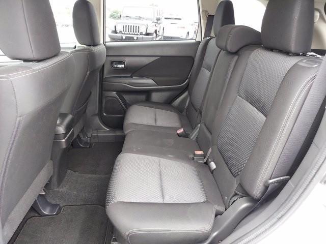 Mitsubishi Outlander 2016 price $14,900