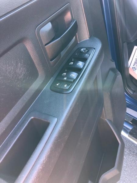 DODGE RAM 1500 4WD 2011 price $14,495