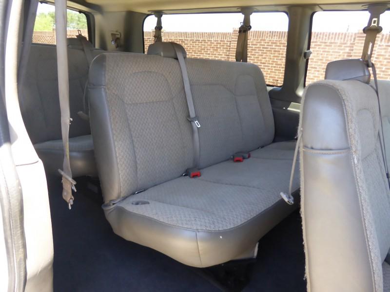 Chevrolet Express Passenger 2017 price $18,995