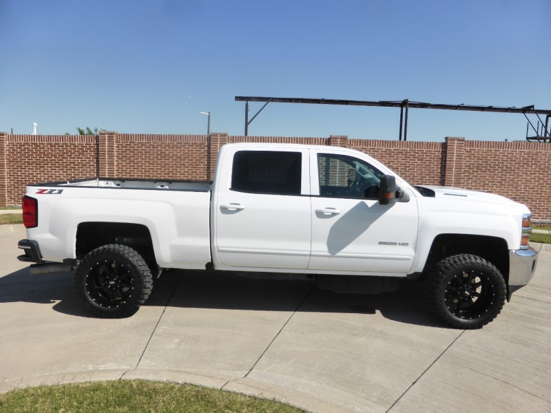 Chevrolet Silverado 2500HD 2018 price $39,995