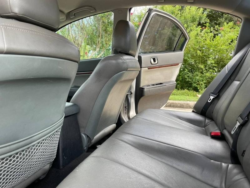 Mitsubishi Galant 2011 price $6,899