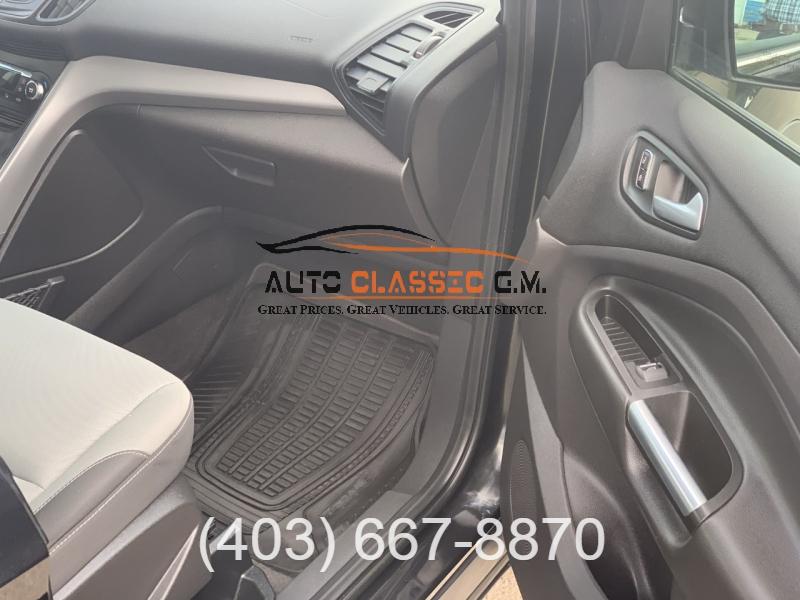 Ford Escape 2015 price $10,995