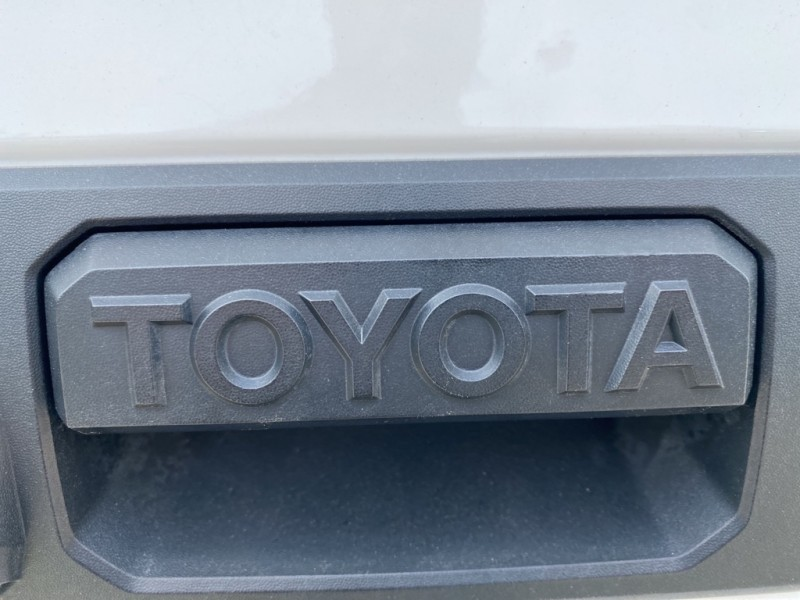 TOYOTA TUNDRA 2015 price $30,985