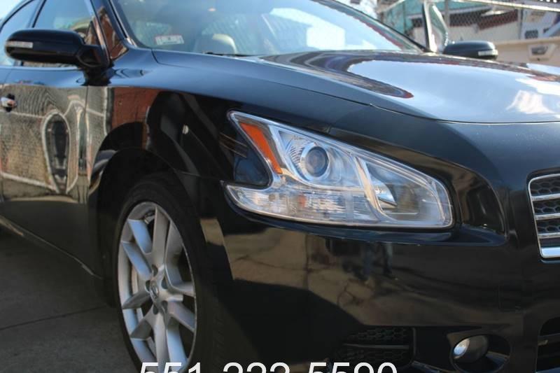 Nissan Maxima 2011 price $5,800