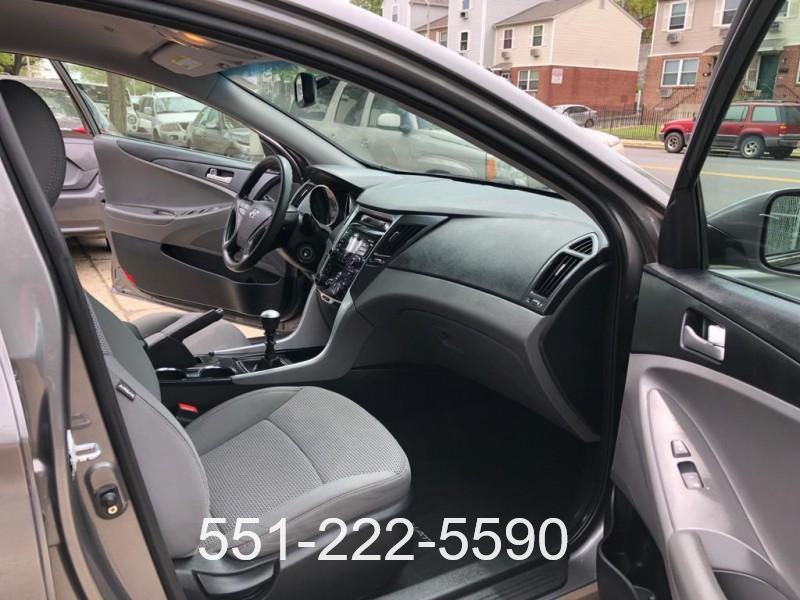 Hyundai Sonata 2015 price $8,900