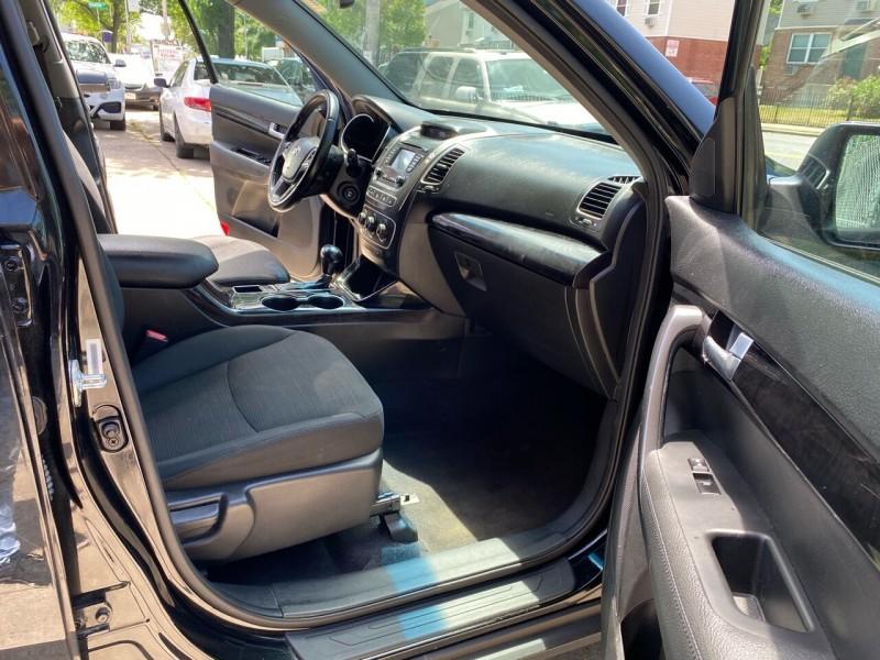 Kia Sorento 2015 price $9,800