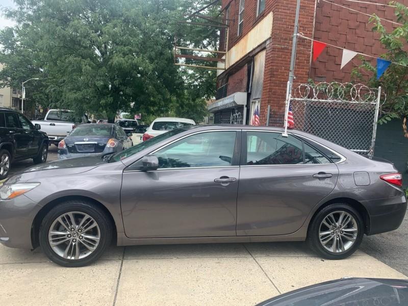 Toyota Camry 2016 price $14,800