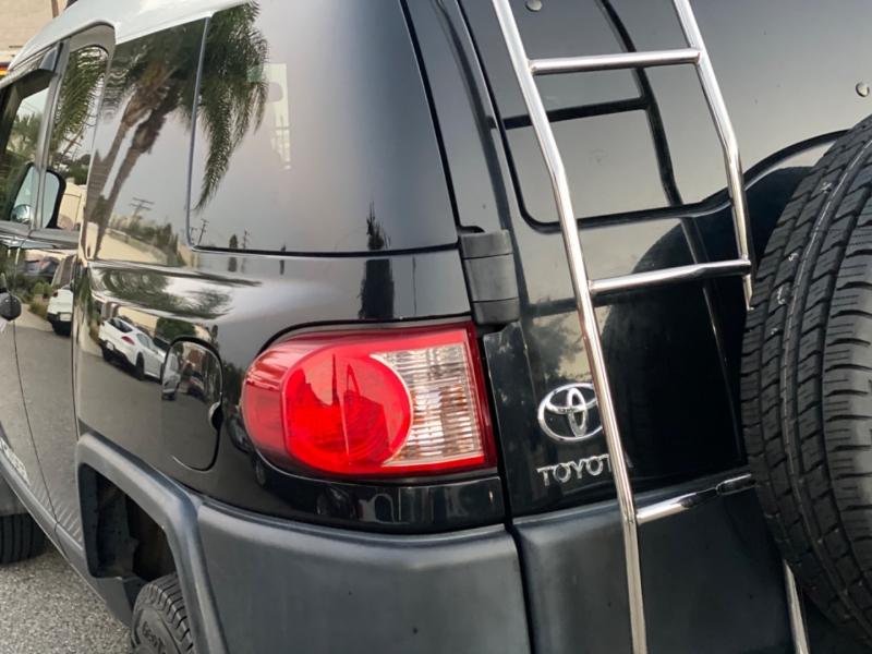 Toyota FJ Cruiser 2007 price $17,999