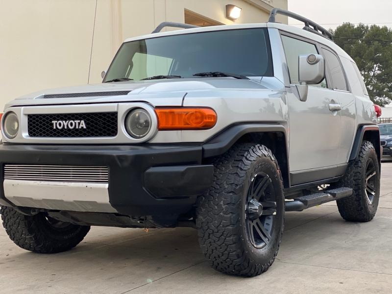 Toyota FJ Cruiser 2007 price $14,999