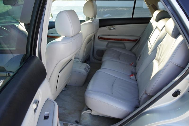 Lexus RX 330 2005 price $7,999