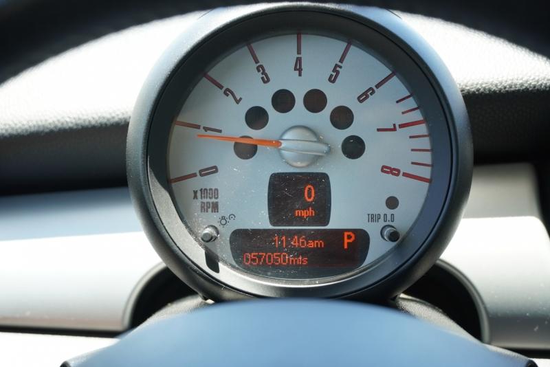 Mini Cooper Hardtop 2013 price $10,499