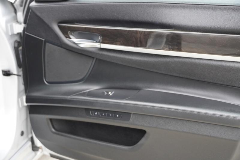 BMW 7-Series 2012 price $19,999