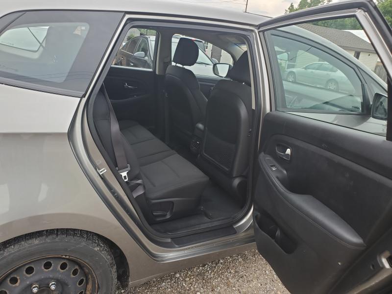 Kia Rondo 2014 price $7,499