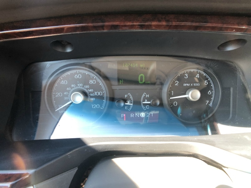 Lincoln Town Car 2010 price $7,500
