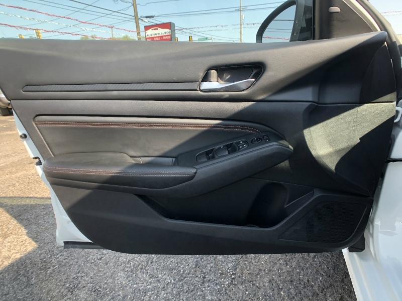Nissan Altima 2020 price $22,995